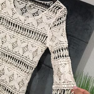 FOREVER 21 cream crochet lace tunic / coverup